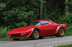 1975 Lancia Stratos HF Stradale by Bertone - This was my dream car when I was a teen. Classic Sports Cars, Classic Cars, Lancia Delta Integrale, Supercars, Maserati, Ferrari, Volkswagen, Rally Car, Hot Cars