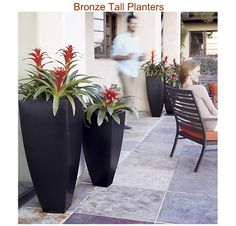 DIY Bronze Tall Planters!! from 20 Wonderful Outdoor DIY projects
