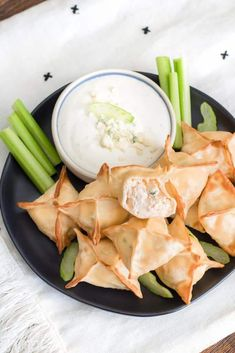 The Best Buffalo Chicken Wontons, only 6 ingredients and ready in 15 minutes, perfect for game day! #Recipe from ThisSillyGirlsKitchen.com #buffalochicken #wontons #airfryer Wonton Recipes, Appetizer Recipes, Appetizers, Buffalo Chicken Wontons, Keto Fried Chicken, Cooking Recipes, Healthy Recipes, Yummy Eats, Air Fryer Recipes