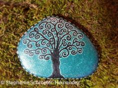 Tree of Life Hand-painted rock. © Stephanie Schroeter-Hernandez