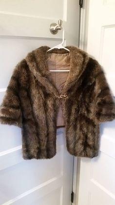 Glenoit brown faux fur lined stole/wrap - vintage #Glenoit #Cape