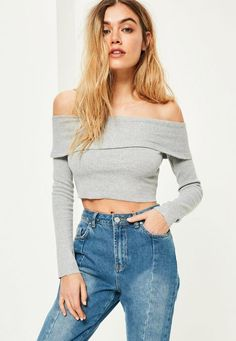 Keep it minimal whilst still maximising the trends in this crop top - featuring an off-duty grey marl hue, ribbed detailing and a babin' bardot style.