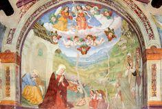 La Chiesa di Santa Maria della Grazie si trova nei pressi del cimitero di Caso, conosciuta già in passato come edicola campestre a ricordo di un prodigio ivi dipinto e inserito nella chiesa: una Madonna a cavallo apparve ad un fanciullo. L'affresco è datato al secolo XV. Di fronte ai pilastri Madonna col Bambino e Santa Cristina, di scuola de Lo Spagna del 1516. Ai lati dell'edicola ci sono due nicchie con dipinta una duplice Crocefissione forse di Giovanni di Girolamo Brunotti, spoletino.