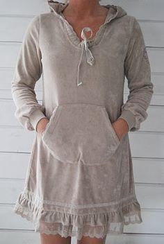 CHILL NORWAY - DAHLIA DRESS - SAND  1 599:-comfy- Swedish Yum!!