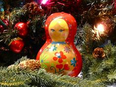 christmas crafts... Make Matryoshka – Russian Nesting Dolls – with Gourds @Regis Montgomery