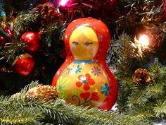 christmas crafts... Make Matryoshka – Russian Nesting Dolls – with Gourds