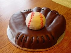 Baseball cake! definitely going to make this for my little dude's birthday in a couple weeks..
