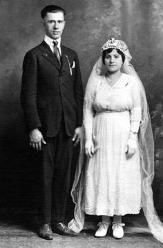 Greek Ancestry In Middletown, Ohio  And including Parts of Butler, Warren, Montgomery and Hamilton Counties. -Greek Family Photographs