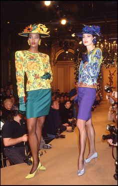 Naomi Campbell - Yves Saint Laurent 1988 Spring/Summer Ready-To-Wear Fashion Show. 80s Fashion, Fashion History, High Fashion, Vintage Fashion, Naomi Campbell, Yves Saint Laurent Paris, American Eagle Outfits, Fashion Leaders, Vintage Ladies