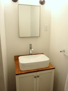 HOUSE 54: Thrifty Thursday: bathroom remodelling on a budget...