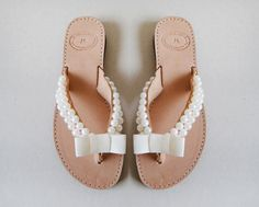 Wedding flip flops - Handmade leather flip flops decorated with pearls and Off White gross grain bow The pearls are only on the outside. All sandals are Genuine Leather Sandals. Available only in natural colour. Custom made order can be made on the colour of the beads, after you contact