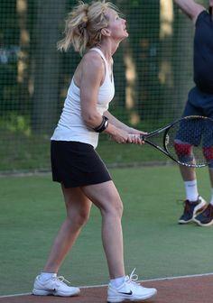 Zdjęcie numer 3 w galerii - Beata Ścibakówna na korcie. Mimo zmęczenia sexy. Jeszcze lepiej było po meczu, gdy opuściła bluzkę. Przypominamy, ona ma 47 lat!