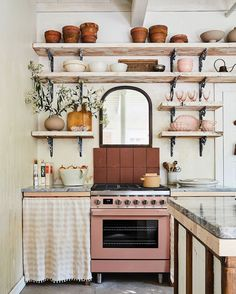 Pittsburgh, Celebrity Kitchens, Turbulence Deco, Style Rustique, Ford, Scandinavian Apartment, Cottage Style Homes, Kitchen Trends, Kitchen Ideas