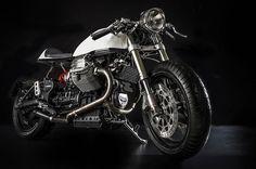 il-sorpasso-moto-guzzi-v11-custom-build-by-emporio-moto-guzzi-1