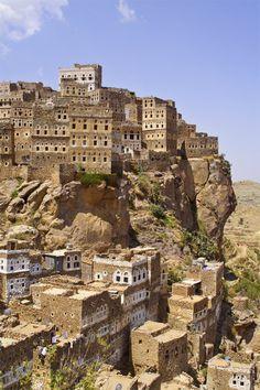 The 800 years old village of Al Hajjarah in Haraz Mountains, Yemen (by moky99).