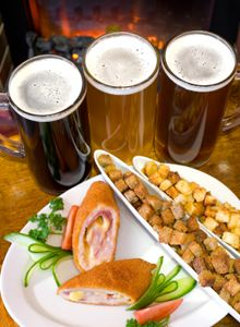 Pairing Food and Beer : Craft Beer Club.      Info about the right beer with the right food