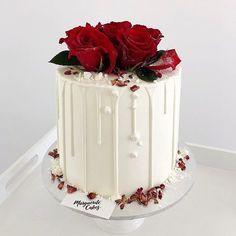Red Birthday Cakes, Birthday Cake Roses, Elegant Birthday Cakes, Happy Birthday Cake Images, Wedding Cake Roses, Beautiful Birthday Cakes, Beautiful Cakes, Rose Wedding, Boy 16th Birthday