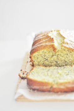 lemon poppy seed yogurt loaf cake
