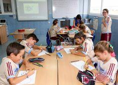 Talleres de #manualidadesISP en el #SummerCampISP.Alumnos de P5 #InfantilISP 1º, 2º y 3º #PrimariaISP han prepararado divertidos paipáis.
