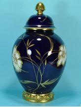 Selb Germany. Lidded vase. 33.5 cm Germany, Jar, Home Decor, Decoration Home, Room Decor, Deutsch, Home Interior Design, Jars, Glass