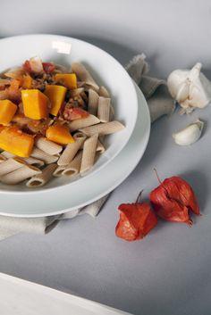 In de herfst zijn de pompoenen veruit het lekkerst, dus geniet ervan als ze in het seizoen zijn! Bijvoorbeeld in deze lekkere pastaschotel.