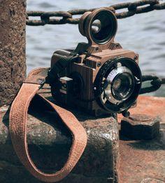 #camera #customcamera #filmcamera #filmphotography #analog #analogcamera #35mm #120film #analogue #leica #zeiss #nature #wood #wooden #gold #wooden #woodwork #handmade #custommade #unique #compur #old #vintage #retro #classic #viewfinder #rangefinder #folding #cameragirl #doragoodman #goodmancamera #film #6x6 #mediumformat #leather #workshop #natural #prime #style