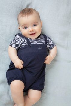 Ideas for baby cute clothes jackets Cute Baby Boy Photos, Cute Baby Boy Outfits, Baby Boy Pictures, Cute Baby Videos, Cute Baby Girl, Cute Baby Clothes, Kids Outfits, Camping Outfits, Cute Babies Photography