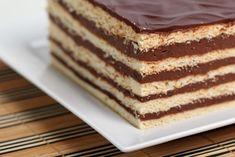 Prajitura Dobos Romanian Food, Romanian Recipes, Home Food, Truffles, Vanilla Cake, Food Inspiration, Tiramisu, Biscuits, Bakery