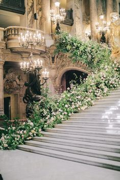Opera Garnier Paris wedding flower decoration at the grand stair case. English garden wedding in Paris