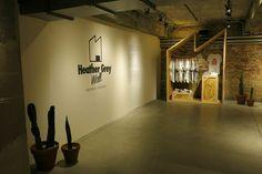 Heather Grey Wall Pop-up Shop