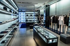 Jil sander has re opened its flagship store in paris at 56 for Oficina consumidor bilbao
