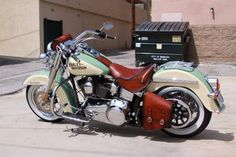 Vintage paint and brown leather Deluxe #harleydavidsonsoftail #harleydavidsonbobberssoftail