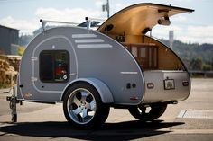 Small Campers and Trailers are Very Popular Camper Trailer For small campers and trailers there are two basic types of towing available. The hitch is the traditional hitch mounted to the trailer. Trailer Diy, Trailer Decor, Small Trailer, Camper Trailers, Trailer Interior, Trailer Plans, Gidget Retro Teardrop Camper, Teardrop Trailer, Teardrop Campers