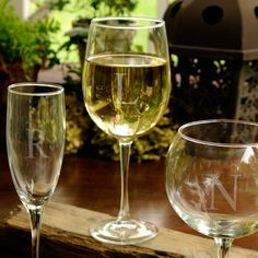 Personalized White Wine Glass Single Personalized white wine glasses are a great way to make dress up an occasion of celebration or a quite evening of wine. These custom engraved wine glasses are a great bridesmaids gift. Personalized Gifts For Mom, Personalized Wine Glasses, Personalised Wine, Personalized Wedding, Custom Wine Glasses, White Wine Glasses, Wine Mom, Wine Glass Rack, Glass Bar