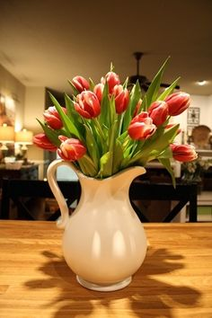 Centerpiece for kitchen counter. Buy fake flowers for each season for a fresh lo… - Modern Fake Flower Centerpieces, Fake Flower Arrangements, Centerpiece Decorations, Christmas Centerpieces, Decoration Table, Simple Centerpieces, Fake Flowers Decor, Table Centerpieces For Home, Spring Decorations