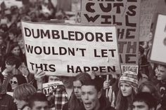 Image uploaded by Tate_Monster. Find images and videos about harry potter and dumbledore on We Heart It - the app to get lost in what you love. Harry Potter Universe, Harry Potter Love, Harry Potter Memes, Hogwarts, Funny Images, Funny Pictures, Caption Pictures, Random Pictures, The Nerd