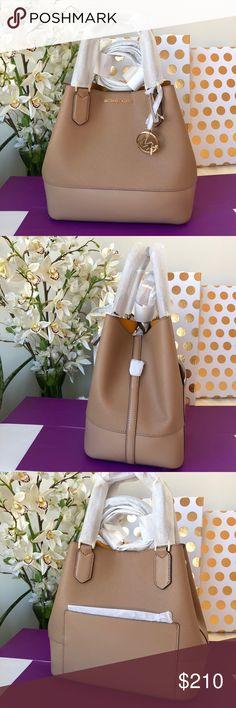 16e2fb4a69 🌹Michael Kors Trista Large grab bag khaki 🌹 100% Authentic Michael Kors  Trista large