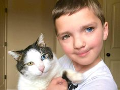 Boy Bullied for Different Colored Eyes & Cleft Lip Adopts Cat With Same Condition