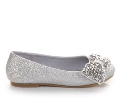 Bling fling - she'll sparkle and shine in this #soda flat this #Easter season. #little #girls #cute #shoes #ballet #silver