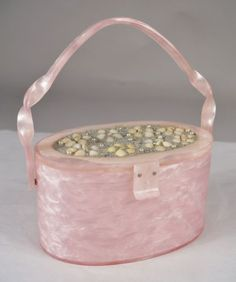 RARE-Vintage-Wilardy-Pink-Lucite-Twisted-Handle-Purse-Bag-Pearl-Shell-Adornment