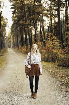 Rozalia Fashion: Outfit: Sisley shirt & suede skirt