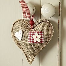 Burlap country padded hanging heart by LeighNichele Burlap Projects, Burlap Crafts, Valentine Crafts, Christmas Crafts, Christmas Ornaments, Valentines, Felt Ornaments, Burlap Christmas, Christmas Sewing