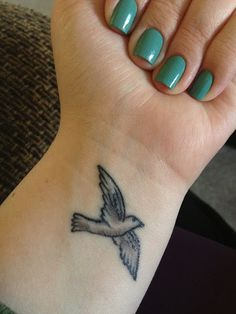 16 Tattoo Ideas - Your body the best canvas, consider show off a person's preferred art by using these best tatto - Cute Tattoos On Wrist, Bird Tattoo Wrist, Wrist Tattoos For Guys, Great Tattoos, Simple Bird Tattoo, Wicked Tattoos, Meaningful Tattoos For Women, Tattoos For Women Small, Small Tattoos