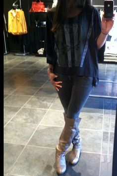 Feeling monochromatic today... poncho top - kizchicago.com; grey skinny jeans - kizchicago.com; boots - Chinese Laundry (amazon.com)