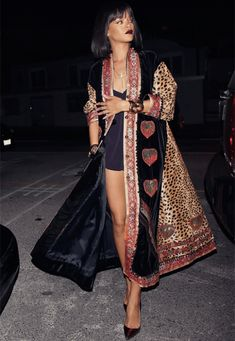 Rihanna Leaving Georgio Baldi restaurant in LA Feb. 16 Rihanna shopping at Moncler in LA Feb. Mode Rihanna, Rihanna Style, Rihanna Fenty, Rihanna Fashion, Best Street Style, Street Style Looks, Looks Style, My Style, Rihanna Outfits