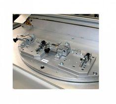 Bügellötsystem mit großem Drehteller (bis zu 500mm) und der Möglichkeit zwei Heizkreise einzusetzen.  Das dargestellte Bügellötsystem besitzt zwei Doppel-Bauteilaufnahmen. Teller, Mixer, Music Instruments, Bathtub, Cleaning, Standing Bath, Bathtubs, Bath, Bath Tub