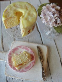 Lemon chiffon cake made with polymer clay. 1:12 scale dollhouse miniatures