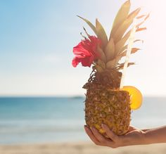 How To Make A Pineapple Cup + 4 Drinks To Put In It