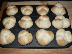 Ízes étkek: Tejfölös zsemle / kifli Bagel, Doughnut, Bread, Foods, Food Food, Food Items, Brot, Baking, Breads