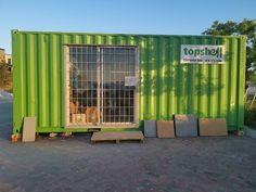Topshell offices can be stationed anywhere. Provides a secure and stylish space to work and meet clients and colleagues on site. Self Storage, Locker Storage, Site Office, Container Conversions, Mobile Office, Storage Facility, Offices, Meet
